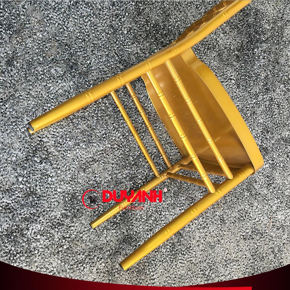 Ghế chiavari nhập khẩu màu vàng đồng