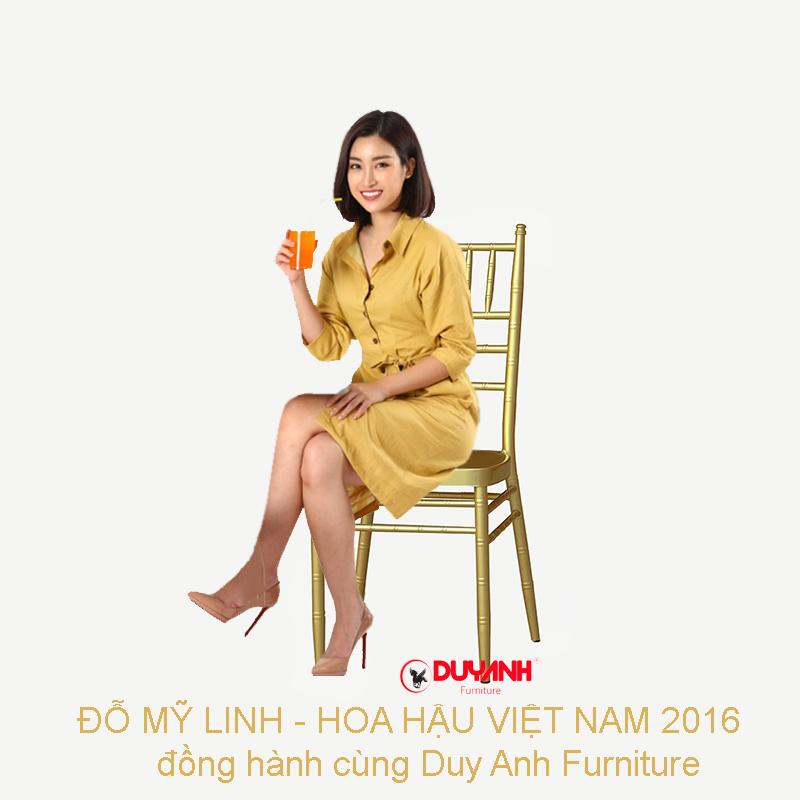 Hoa hậu Đỗ Mỹ Linh 2016 thả dáng cùng ghế tiffany